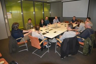 foto van mensen in vergadering