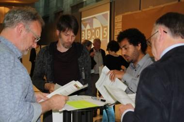 foto van deelnemers aan interactieve oefening bossymposium